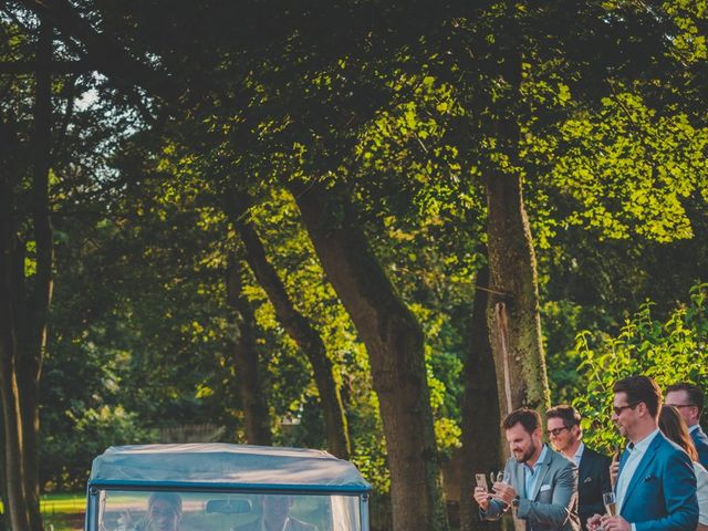 Le mariage de Ned et Laïla à Perreux, Loire 78