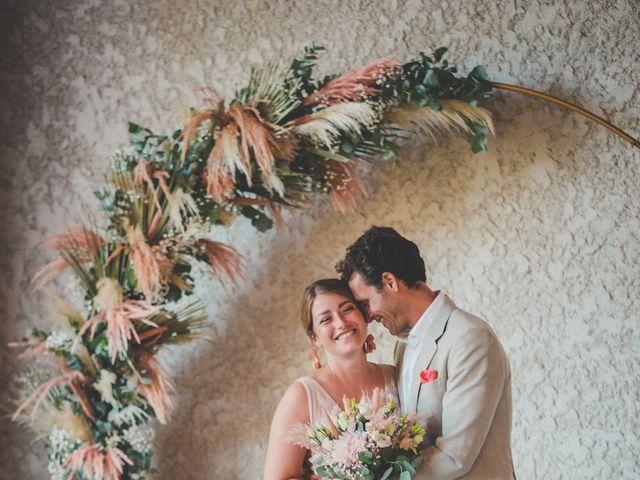 Le mariage de Ned et Laïla à Perreux, Loire 87