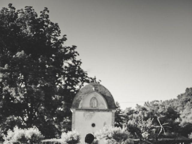 Le mariage de Ned et Laïla à Perreux, Loire 89