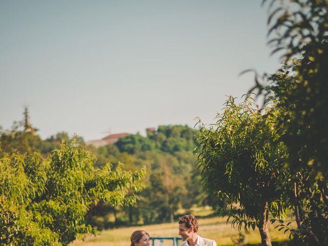 Le mariage de Ned et Laïla à Perreux, Loire 90