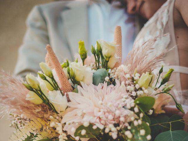 Le mariage de Ned et Laïla à Perreux, Loire 93