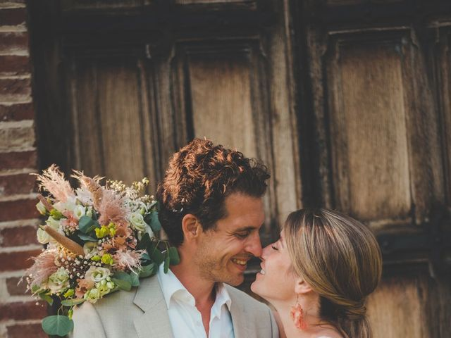Le mariage de Ned et Laïla à Perreux, Loire 94