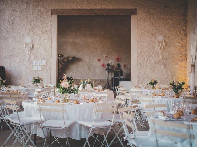 Le mariage de Ned et Laïla à Perreux, Loire 101