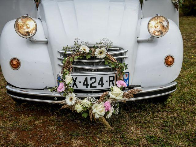 Le mariage de Anthony et Alexandra à Saint-Maurice-la-Clouère, Vienne 40