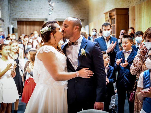 Le mariage de Anthony et Alexandra à Saint-Maurice-la-Clouère, Vienne 62