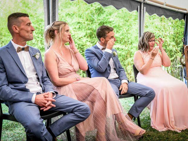 Le mariage de Anthony et Alexandra à Saint-Maurice-la-Clouère, Vienne 73