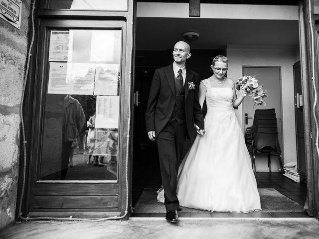 Le mariage de Yannick et Delphine à Raynans, Doubs 21