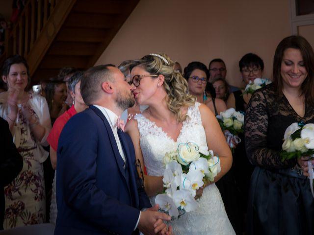 Le mariage de Nicolas et Emilie à Parthenay, Deux-Sèvres 12