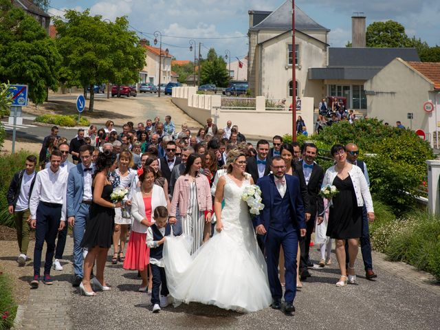 Le mariage de Nicolas et Emilie à Parthenay, Deux-Sèvres 13