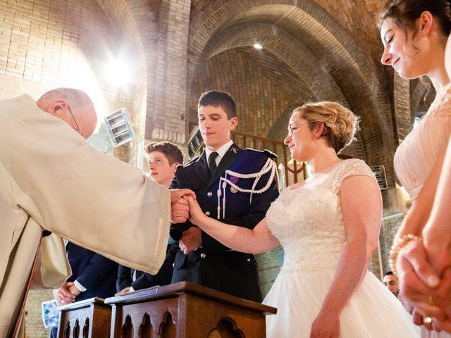 Le mariage de Clément et Margo à Saint-Quentin, Aisne 17
