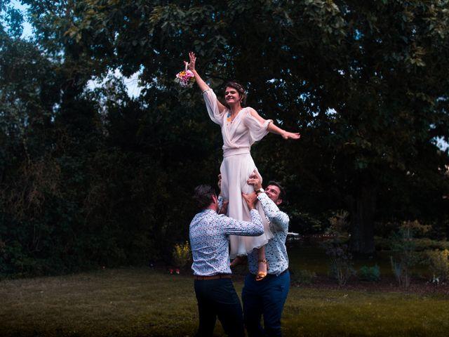 Le mariage de Mickael et Grace à Fontgombault, Indre 11