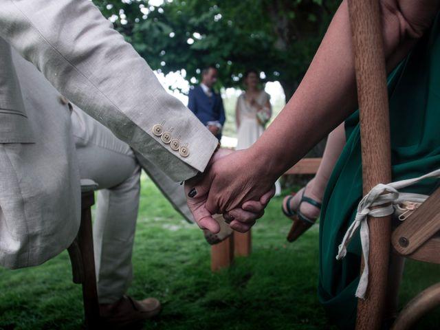 Le mariage de Mickael et Grace à Fontgombault, Indre 15