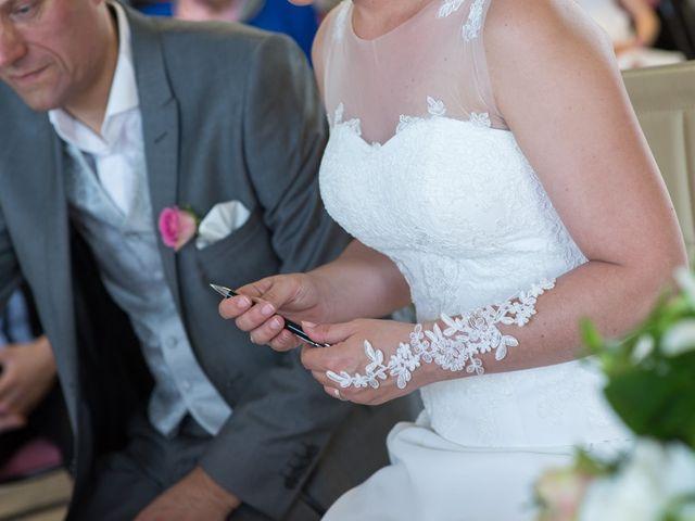 Le mariage de Christophe et Cécile à Vouneuil-sous-Biard, Vienne 6