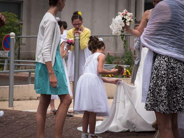 Le mariage de Christophe et Cécile à Vouneuil-sous-Biard, Vienne 12