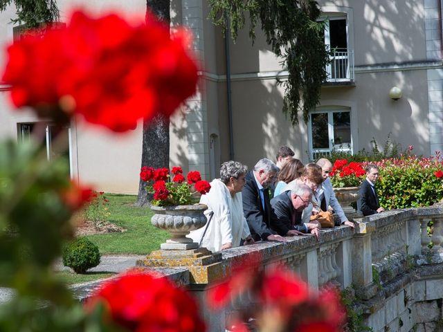 Le mariage de Christophe et Cécile à Vouneuil-sous-Biard, Vienne 54