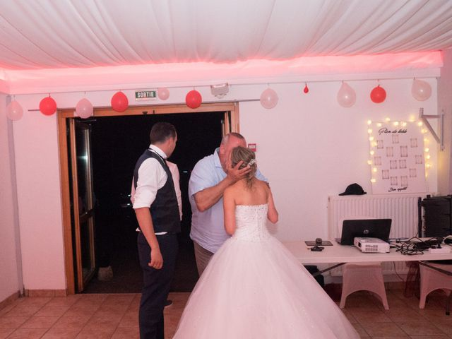 Le mariage de Nicolas et Lindsay à Guidel, Morbihan 55