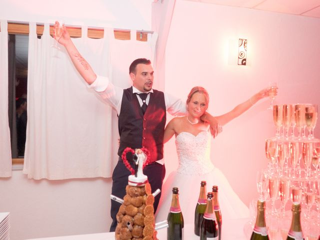 Le mariage de Nicolas et Lindsay à Guidel, Morbihan 58