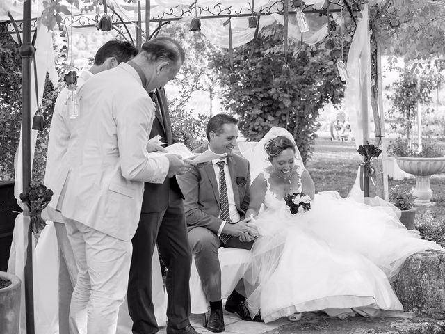 Le mariage de Yohann et Isabelle à Saint-Maximin-la-Sainte-Baume, Var 10