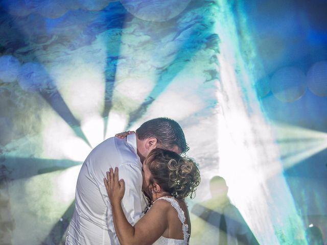 Le mariage de Yohann et Isabelle à Saint-Maximin-la-Sainte-Baume, Var 24