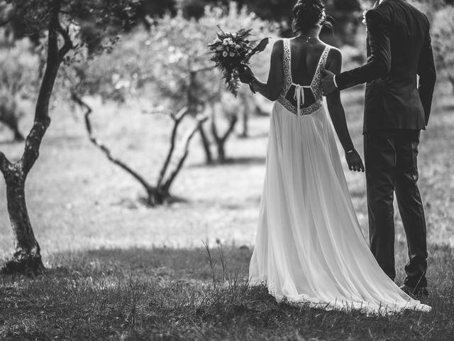 Le mariage de Matthieu et Elodie à Roquemaure, Gard 5