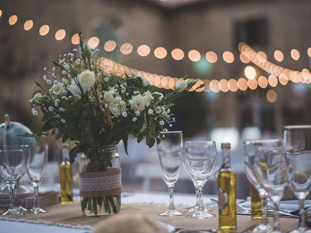 Le mariage de Matthieu et Elodie à Roquemaure, Gard 8