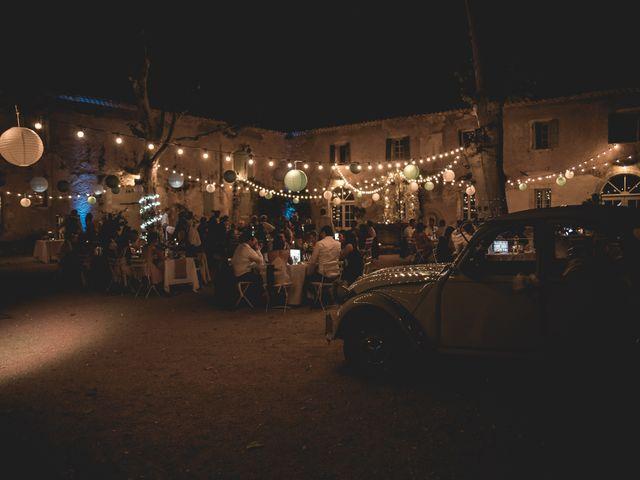 Le mariage de Matthieu et Elodie à Roquemaure, Gard 11
