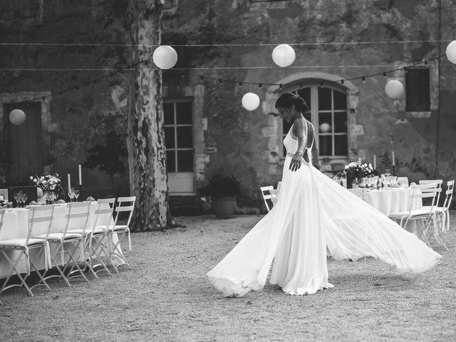 Le mariage de Matthieu et Elodie à Roquemaure, Gard 12