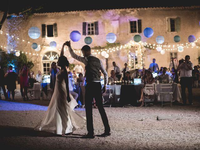 Le mariage de Matthieu et Elodie à Roquemaure, Gard 13