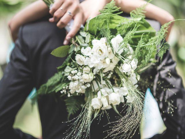 Le mariage de Matthieu et Elodie à Roquemaure, Gard 16
