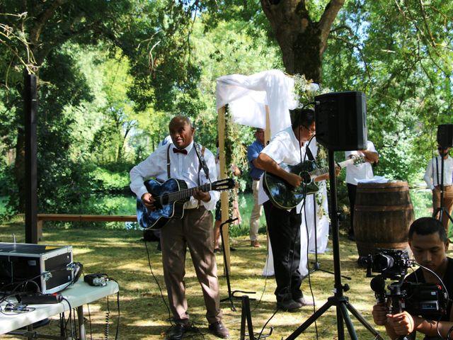 Le mariage de Agy et Vanessa  à Mosnac, Charente 42