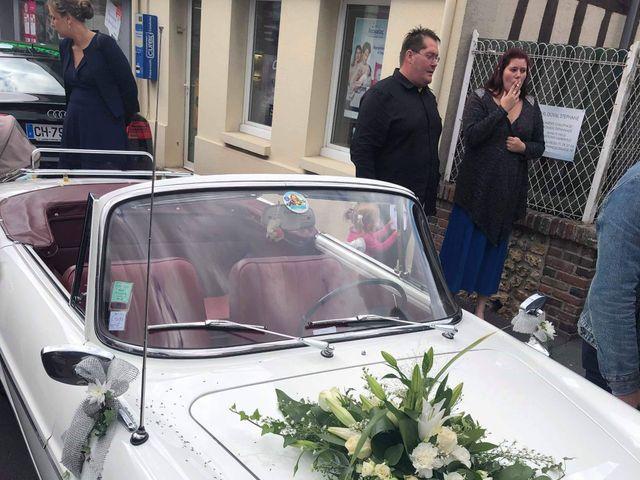 Le mariage de Jéremy et Amélia à Moyaux, Calvados 5