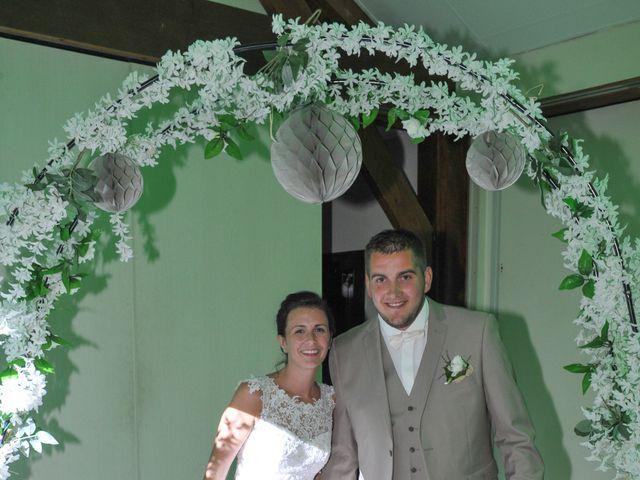 Le mariage de Jéremy et Amélia à Moyaux, Calvados 7