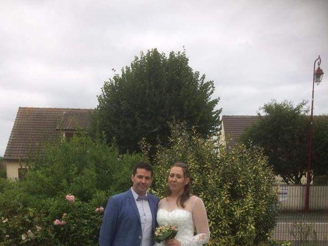 Le mariage de Esaïe et Blandine  à Morteaux-Couliboeuf, Calvados 1