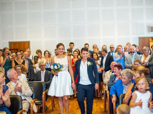 Le mariage de Pauline et Julie à Theix, Morbihan 14