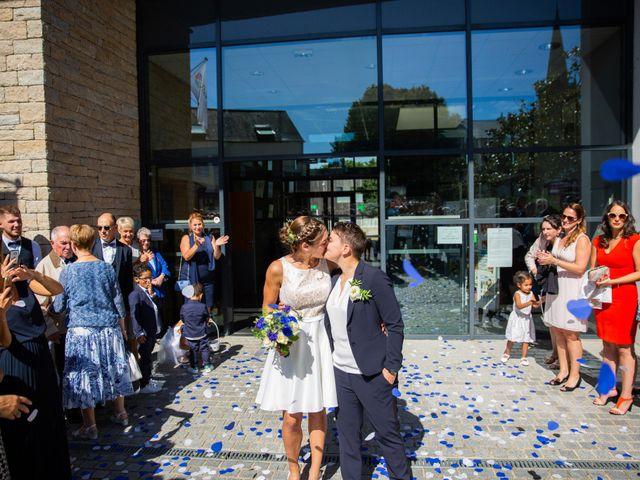 Le mariage de Pauline et Julie à Theix, Morbihan 18