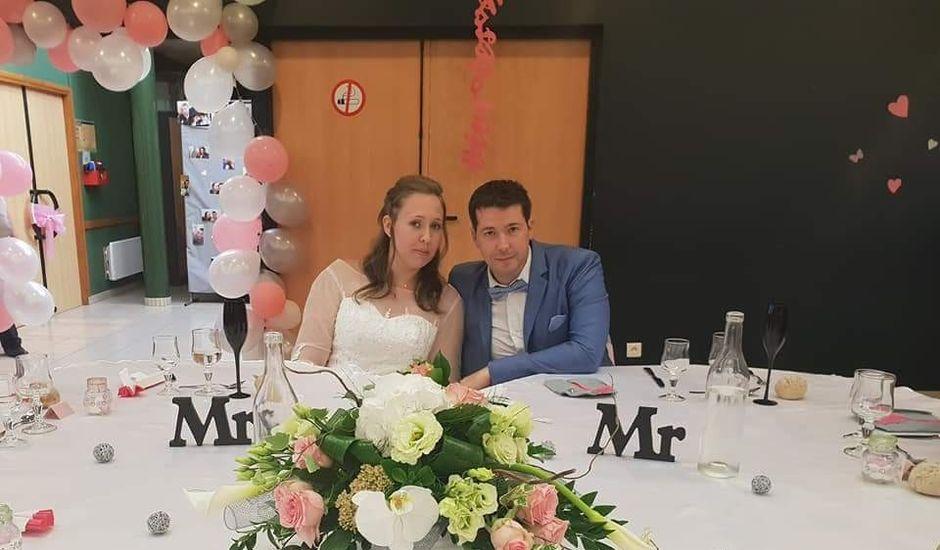 Le mariage de Esaïe et Blandine  à Morteaux-Couliboeuf, Calvados