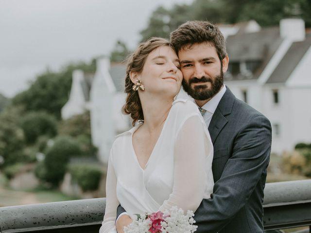 Le mariage de Guillaume et Jeanne à Le Bono, Morbihan 57