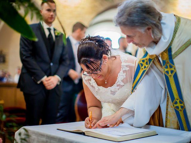 Le mariage de Cédric et Delphine à Ottmarsheim, Haut Rhin 21