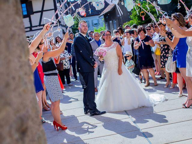 Le mariage de Cédric et Delphine à Ottmarsheim, Haut Rhin 25