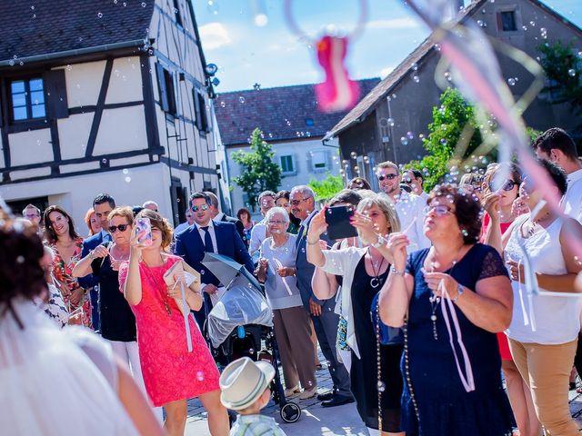 Le mariage de Cédric et Delphine à Ottmarsheim, Haut Rhin 26