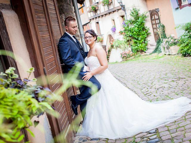 Le mariage de Cédric et Delphine à Ottmarsheim, Haut Rhin 30
