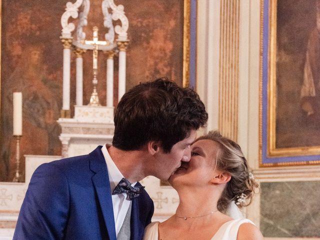 Le mariage de Adrien et Mathilde à Varennes, Haute-Garonne 6