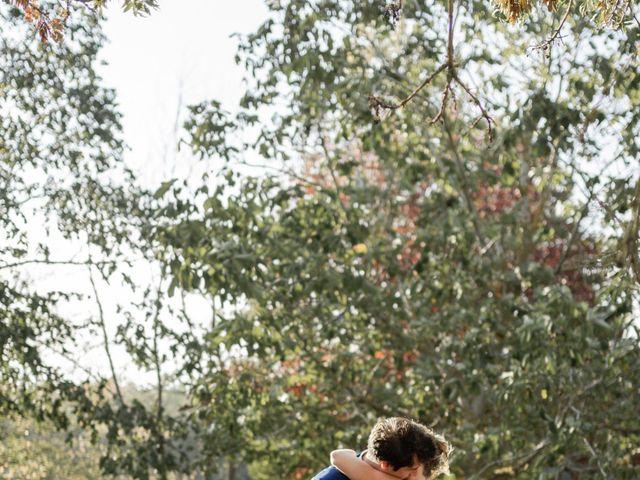 Le mariage de Adrien et Mathilde à Varennes, Haute-Garonne 10
