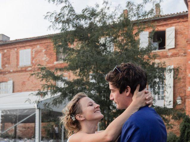 Le mariage de Adrien et Mathilde à Varennes, Haute-Garonne 48