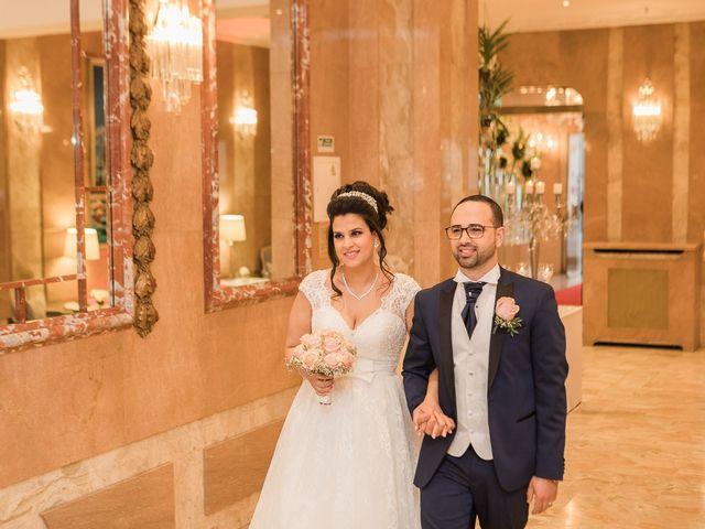 Le mariage de Beshoy et Simona à Paris, Paris 20