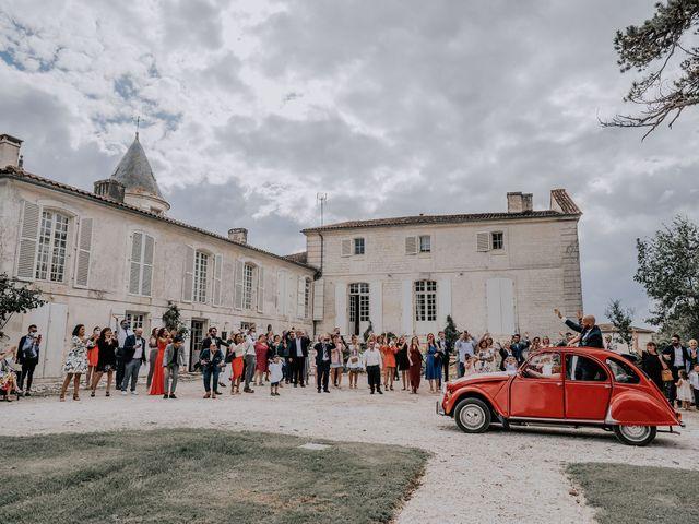 Le mariage de Romain et Julia à Port-d'Envaux, Charente Maritime 1