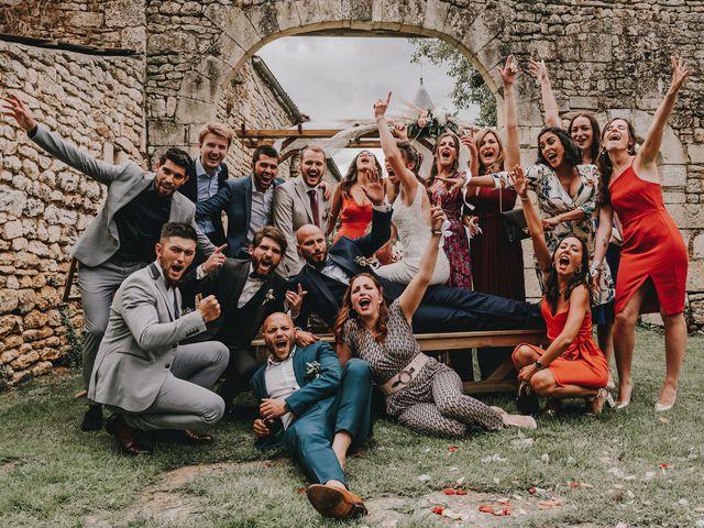 Le mariage de Romain et Julia à Port-d'Envaux, Charente Maritime 2