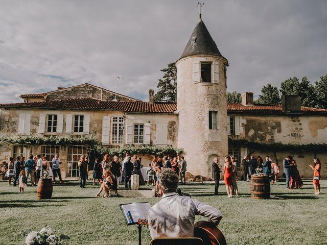Le mariage de Romain et Julia à Port-d'Envaux, Charente Maritime 9