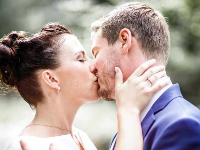 Le mariage de Adrien et Chloé à Hasnon, Nord 22