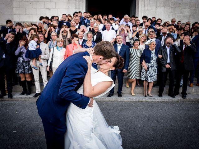 Le mariage de Adrien et Chloé à Hasnon, Nord 2